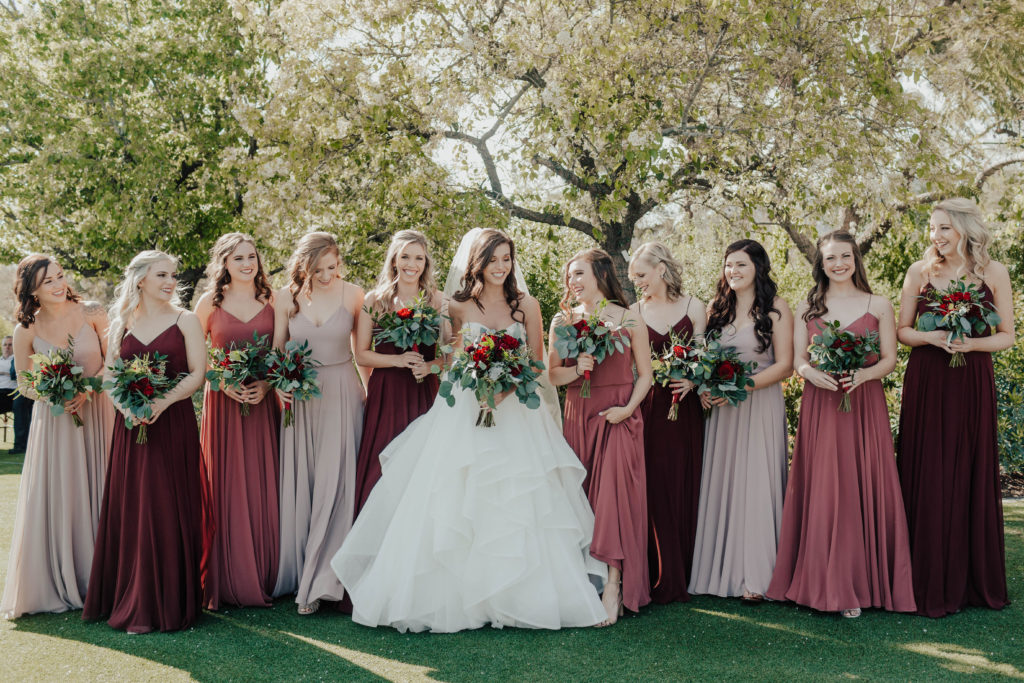 Modern Classic Paradise Valley Country Club Wedding in Arizona by Kadi Tobin Photography